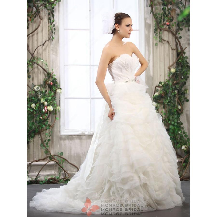 Maia-Luxury-Organza-Ballgown-Feathers-sweetheart-wedding-dress