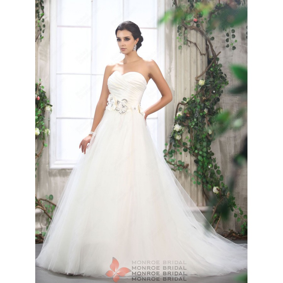 Monica - Sweetheart Tulle Ballgown Wedding Dress with Flowers ...