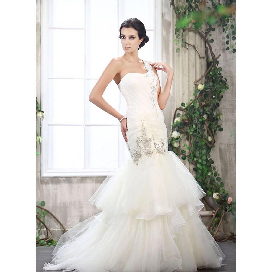 Cameron trumpet mermaid tulle wedding dress beautiful for Tulle trumpet wedding dress